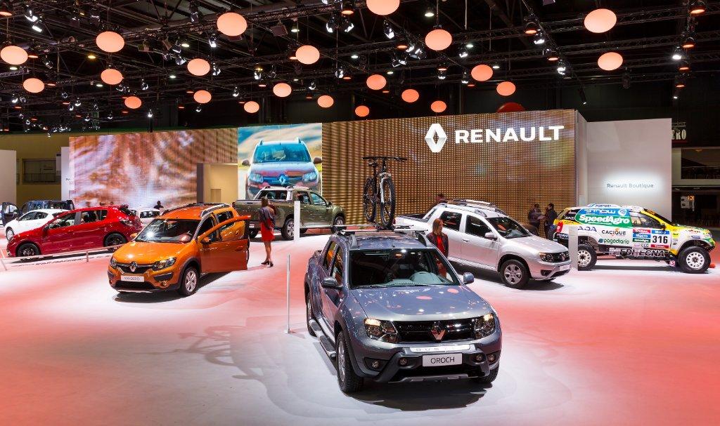 Stand renault salon de l 39 automobile de buenos aires for Parking salon de l auto