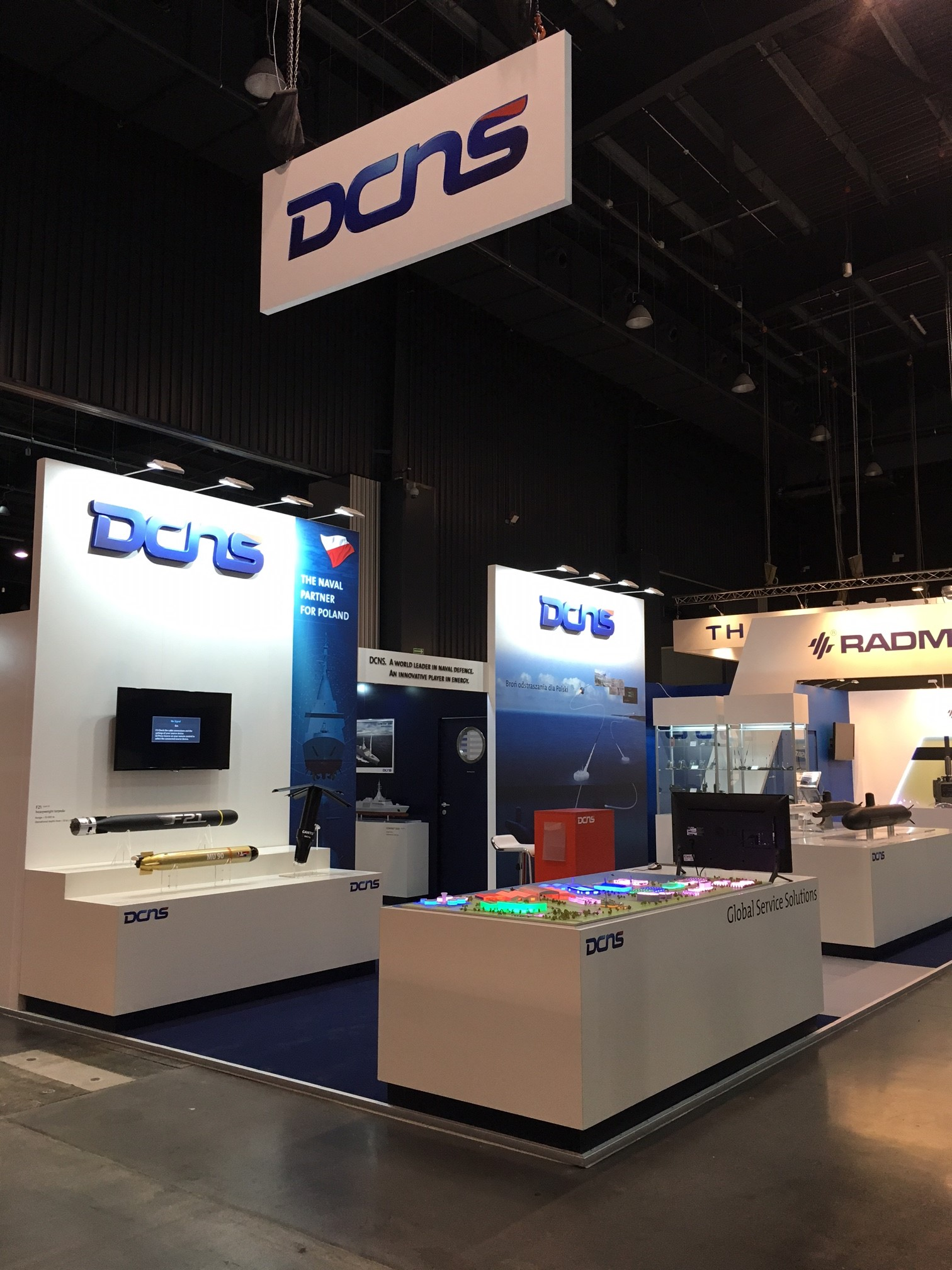 Stand dcns balt military expo 2016 centthor for Stand salon original