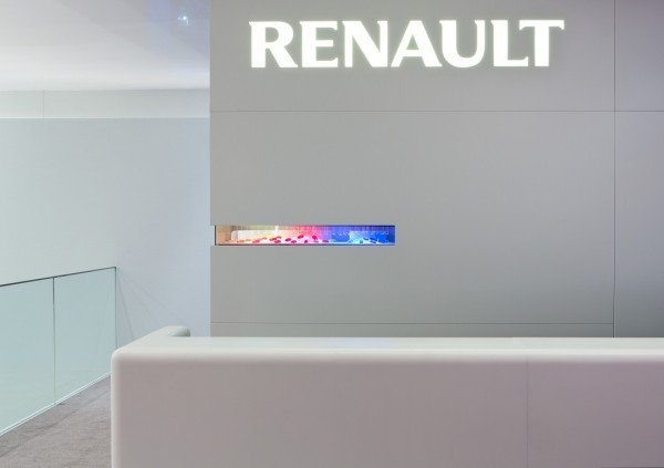 Stand-Renault-Paris-Centthor-35