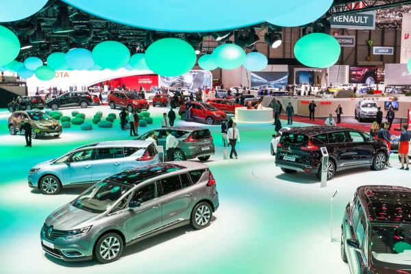 stand-renault-geneve-2015-centthor-3
